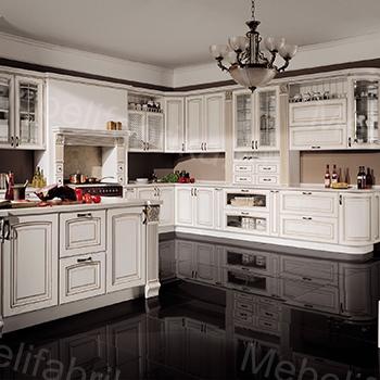белая кухня в греческом стиле