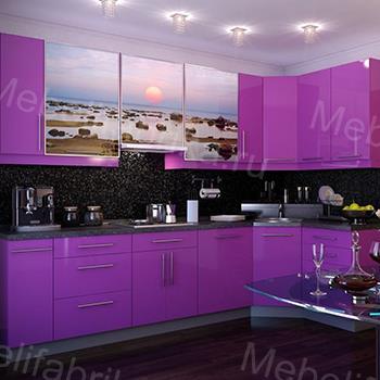 фиолетовый фасад кухни