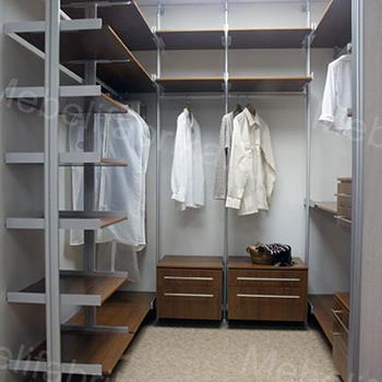 светлая мебель для гардеробных комнат