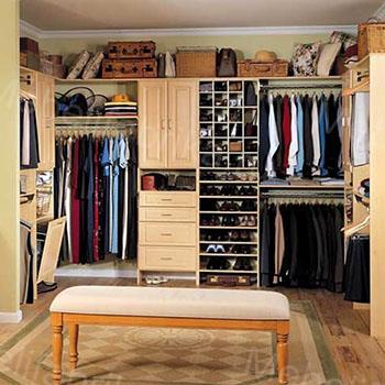 интересная гардеробная комната