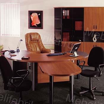 яркая мебель для руководителя