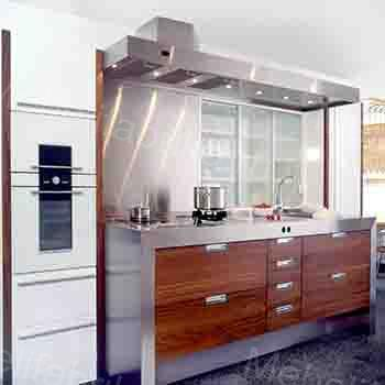 дизай кухни из шпона