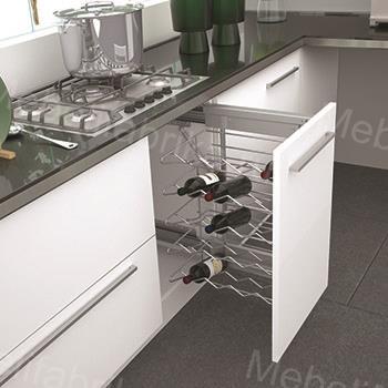 внутреннее напонение белой кухни