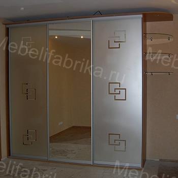 шкаф купе с пескоструйным орнаментом